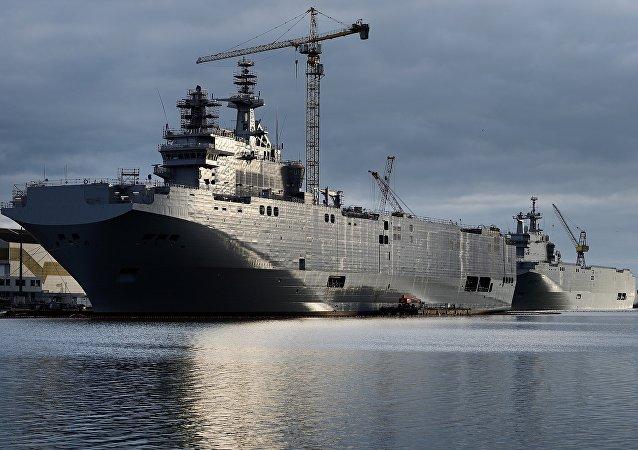 Navios tipo Mistral