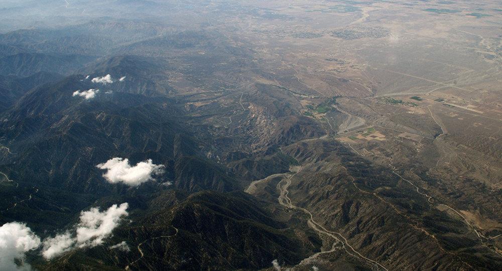A falha de Santo André, que se estende a cerca de 800 milhas através de Califórnia