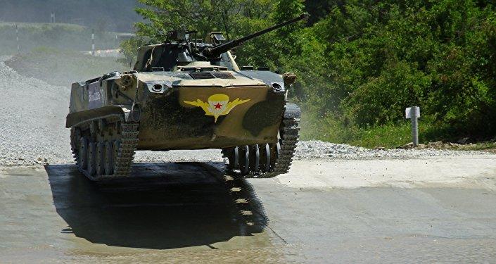 Vehículo de combate participa em segundos Jogos Militares Army-2016