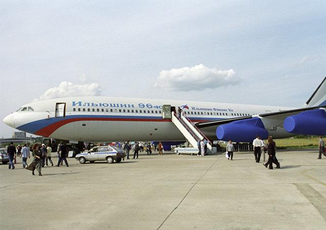 Il-96-400 (Foto de arquivo)