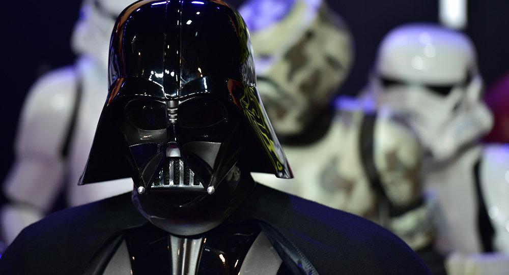 Darth Vader durante estreia do Despertar da Força em Londres