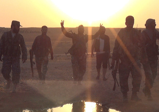O exército sírio e seus aliados em Al-Badiyah