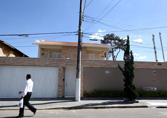 Casa de Aparecida Schunck Flosi Palmeira, de 67 anos, sogra de Bernie Ecclestone, presidente da empresa que administra a Fórmula 1