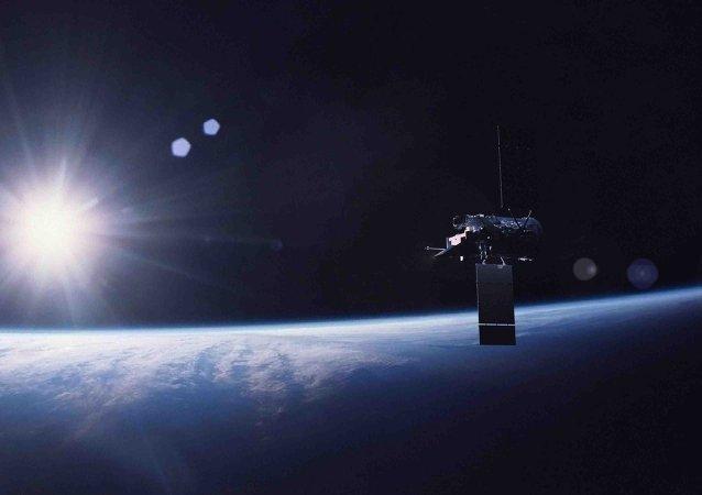Satélite na órbita terrestre (imagem ilustrativa)