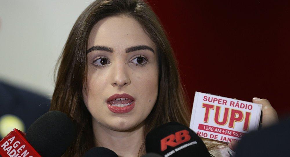 Resultado de imagem para jornalista Patrícia Lelis,