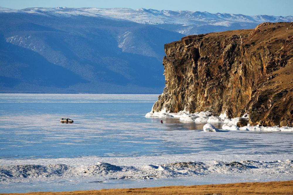A ilha de Olkhon no lago Baikal