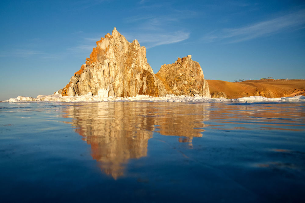 Cabo Burkhan (Shamanka) no lago Baikal