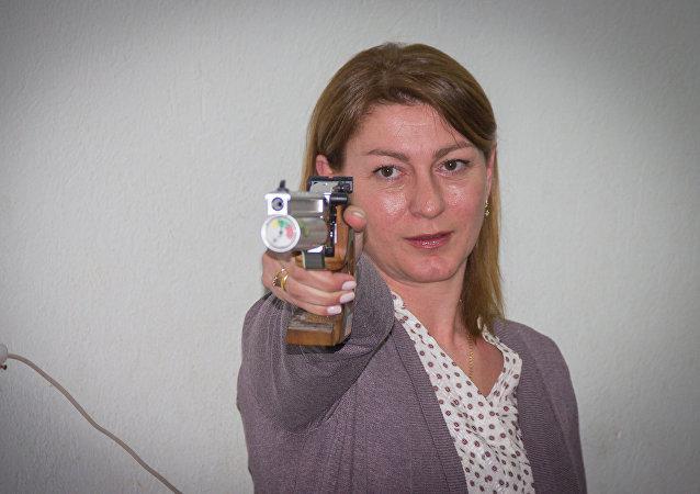 Nino Salukvadze, campeã olímpica de tiro georgiana