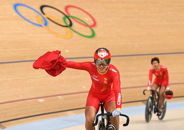Gong Jinjie e Zhong Tianshi, dupla de ciclismo de pista da China