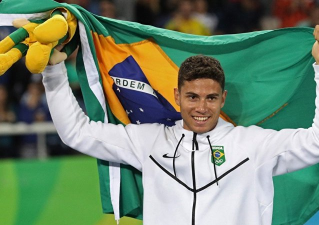 Thiago Braz após vencer Renaud Lavillenie