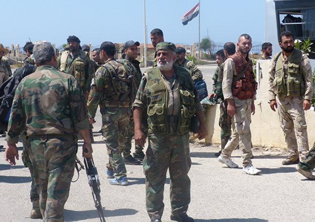 Militares da Síria se preparam para combates