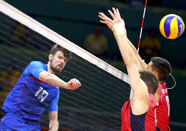 Rússia e EUA disputaram ponto a ponto a medalha de bronze