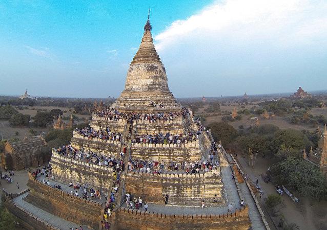 Pagode Shwesandaw na antiga cidade de Bagan, Myanmar