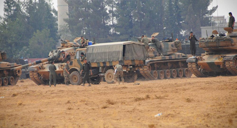 Material bélico turco nas proximidades de Jarablus, no norte da Síria (foto de arquivo)