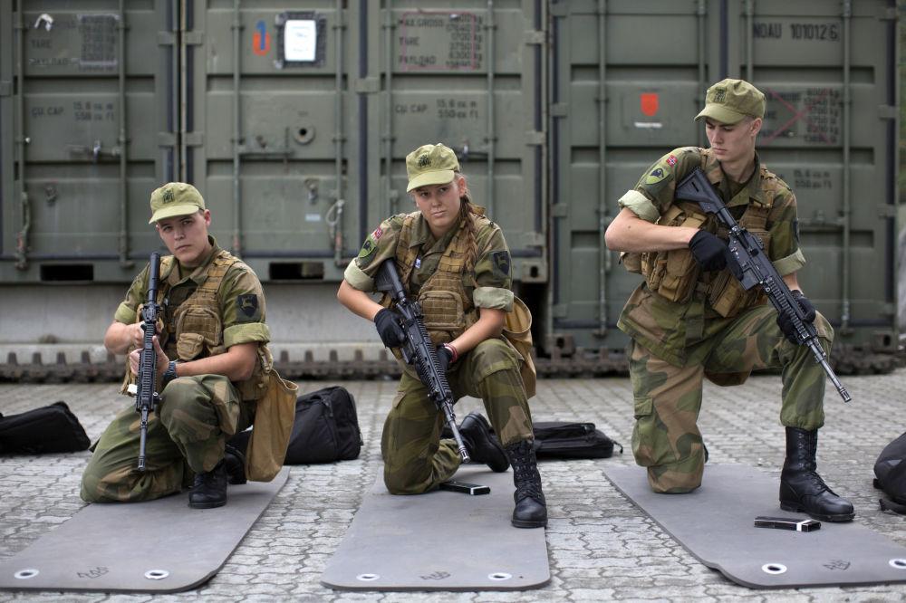 For 231 A N 243 Rdica Primeiras Mulheres Se Tornam Soldados Na