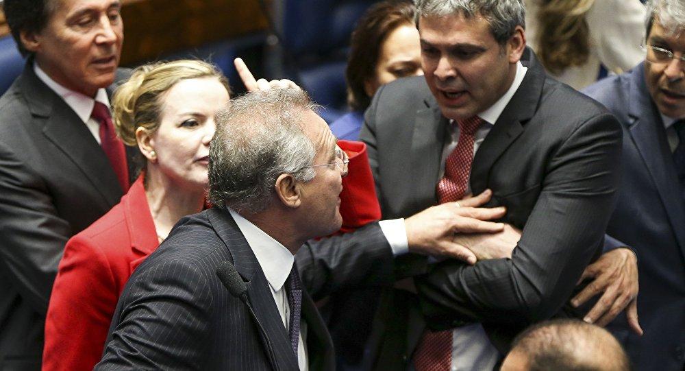 Ânimos exaltados no julgamento do impeachment no senado