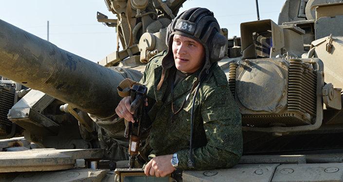 Militar russo durante ispeção da tropas no distrito militar do sul da Rússia, 25 de agosto de 2016