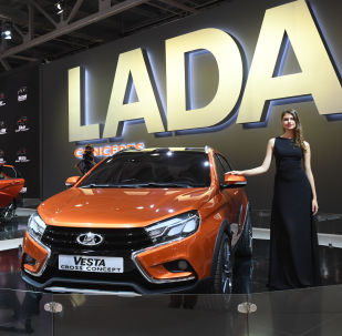 As meninas do Salão de Automóveis de Moscou 2016