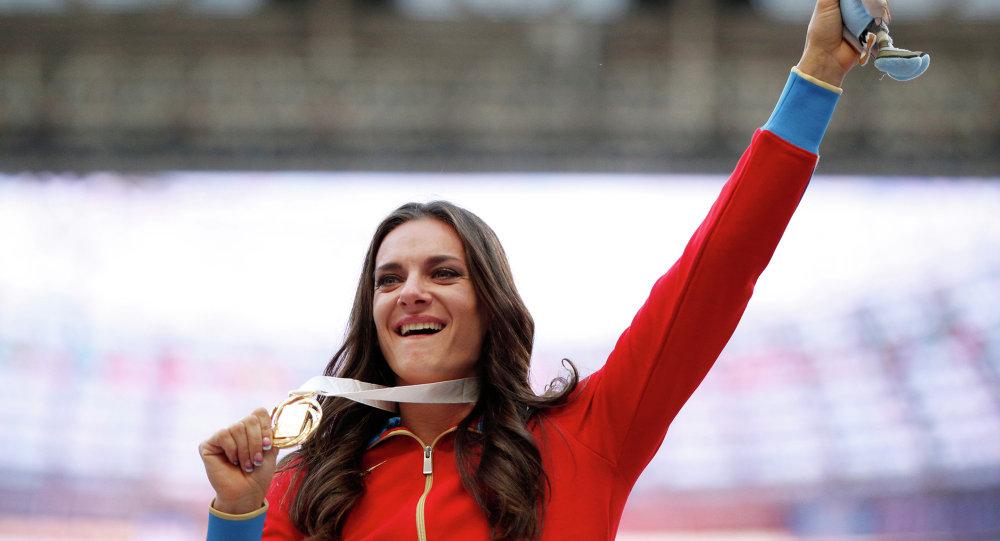 A russa Yelena Isinbayeva, duas vezes campeã olímpica e três vezes campeã mundial no salto com vara