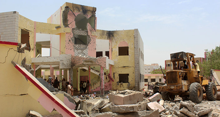 Aden, Iêmen, 29 de agosto de 2016: carro-bomba do Daesh deixa mais de 70 mortos