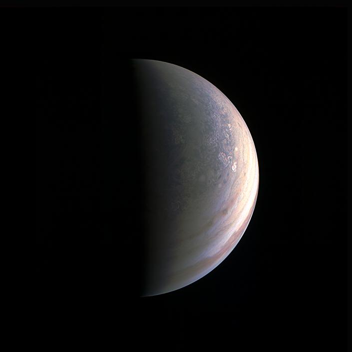 Polo norte de Júpiter. Imagem da sonda Juno