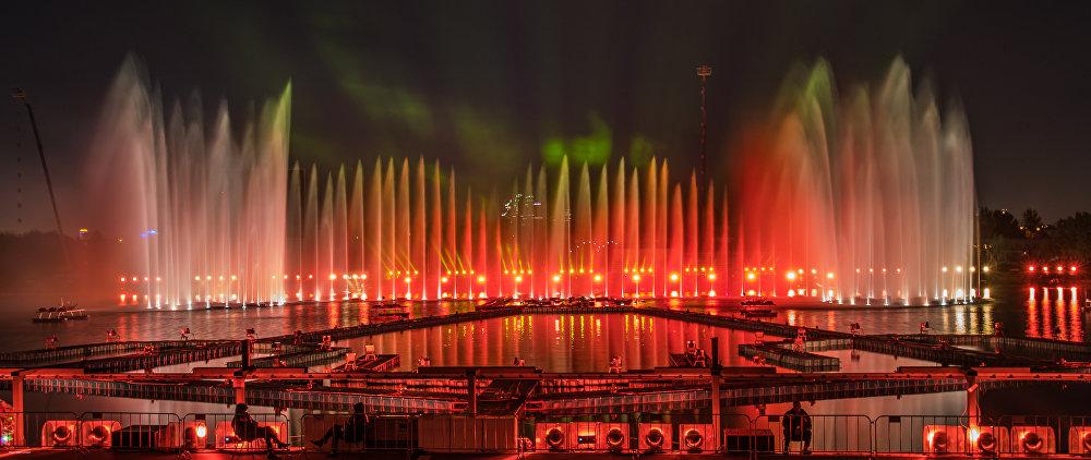 O Canal a Remos de Krylatskoie. Cerimônia de encerramento do Festival Internacional Círculo de Luz em 2015