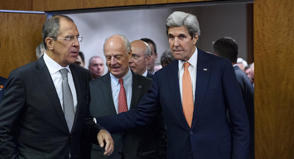 Encontro de Kerry e Lavrov com o enviado da ONU para a Síria, Staffan de Mistura, em Genebra