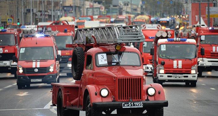 Parada de veículos de manutenção urbana em Moscou, o dia 11 de setembro de 2016