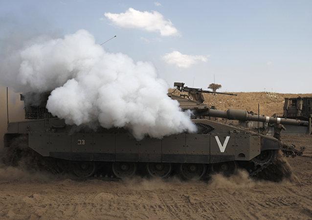 Soldados israelenses realizam exercícios na parte setentrional das Colinas de Golã, 13 de setembro de 2016