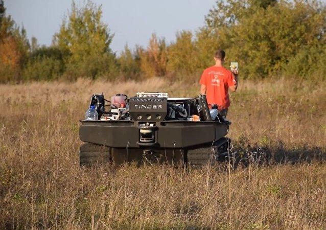 Novo caminhão-robô para paraquedistas russos