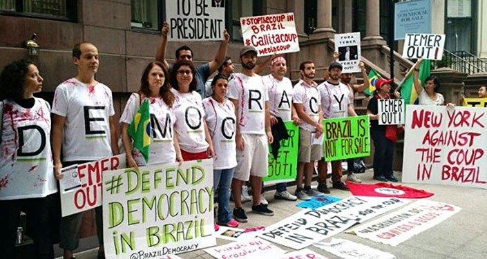 Protesto contra Michel Temer em Nova York