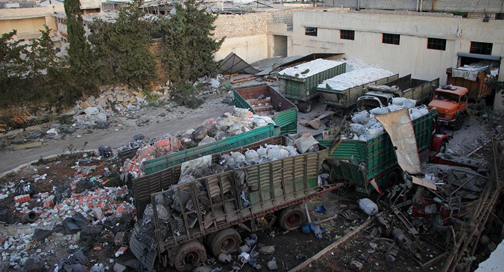 Restos do comboio de ajuda humanitária atacado em Urm al-Kubra
