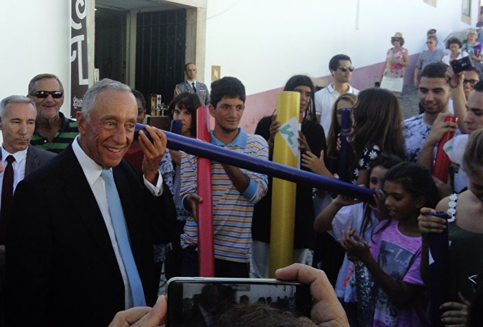 Alunos de duas escolas portuguesas contam sussurros de utopias para ao presidente