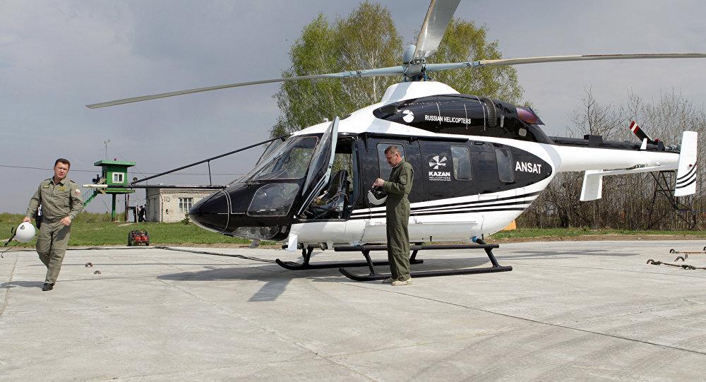 Teste do novo helicóptero russo Ansat produzido na fábrica de helicópteros de Kazan, Rússia