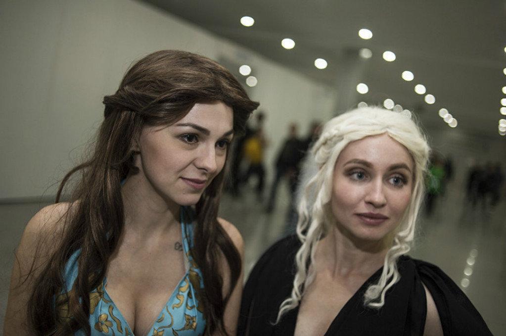 Iris e Yulia são Margaery Tyrell e Daenerys Targaryen, respectivamente, personagens da série Game of Thrones