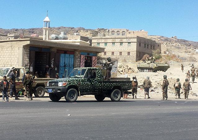 Militantes houthis na província de Bayda, Iêmen (arquivo)
