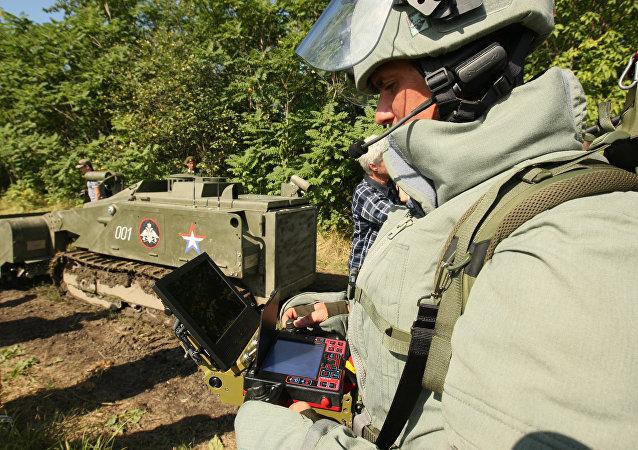 Operador técnico durante testes (foto de arquivo)