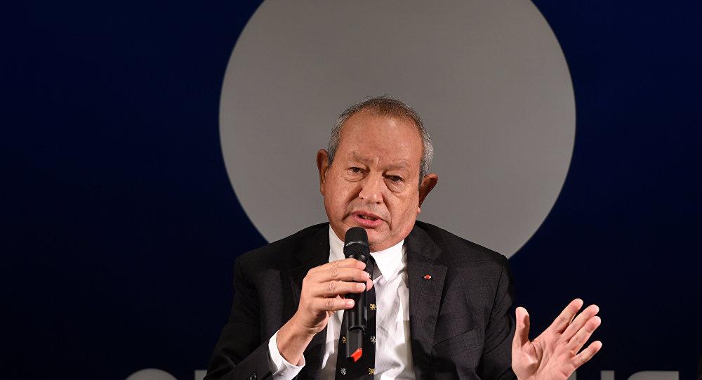 Naguib Sawiris durante uma coletiva de imprensa em 15 de outubro de 2015