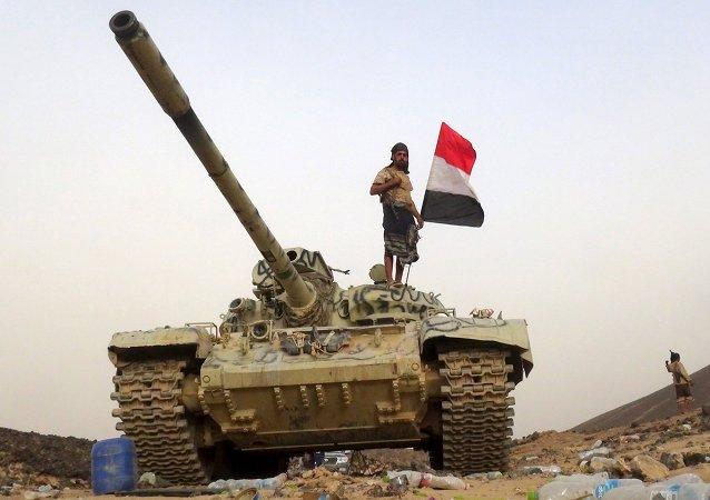 Soldado leal ao governo iemenita na província de Marib