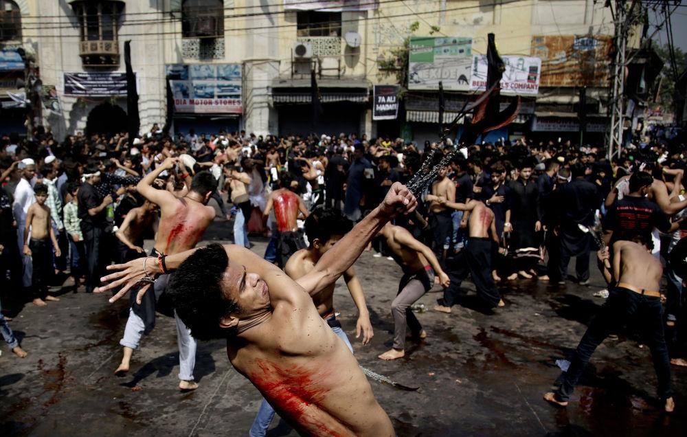Xiitas durante a comemoração do Dia da Ashura, Nova Deli, Índia