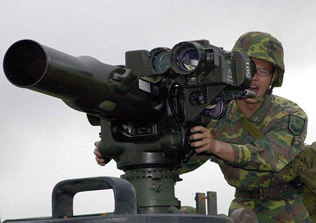 Funcionário do Pentágono disse que EUA monitoram o uso das armas fornecidas aos grupos que combatem o Daesh