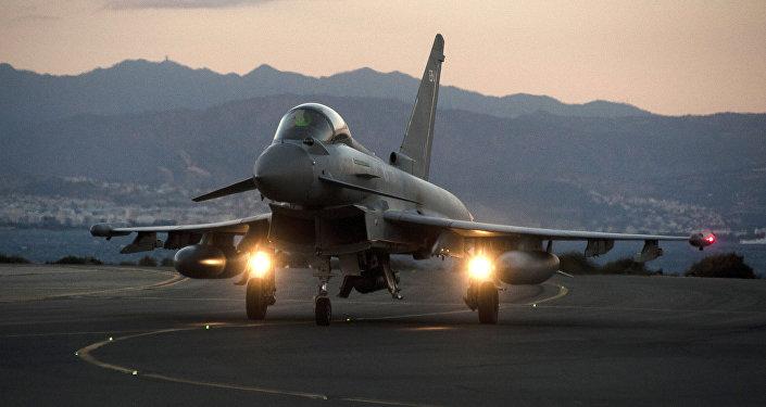 Caça Eurofighter Typhoon da Força Aérea Real do Reino Unido (foto de arquivo)