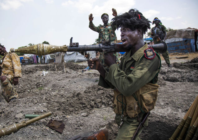 Soldados do Exército de Libertação do Povo do Sudão (SPLA) nos arredores da cidade de Malakal, Sudão do Sul, 16 de outubro de 2016