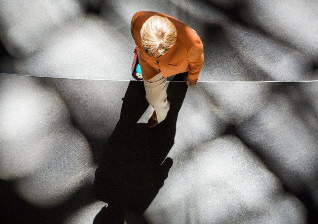 A sombra da chanceler alemã Angela Merkel
