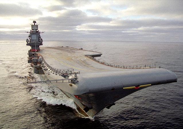 Porta-aviões Almirante Kuznetsov, da Marinha russa