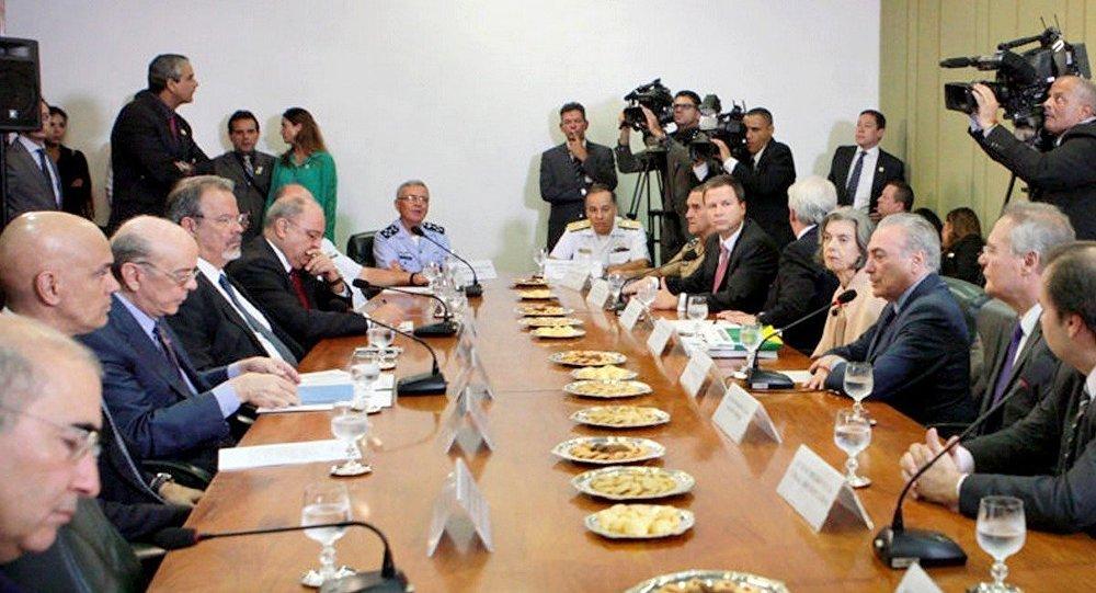 Os Três Poderes se reúnem para discutir pacto nacional para segurança