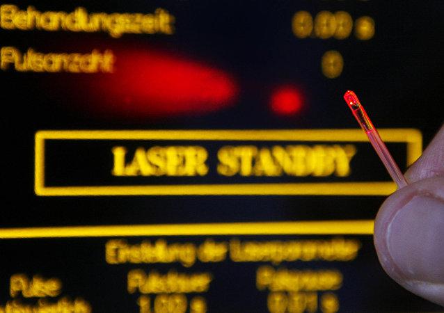 A demonstração, em 10 de agosto de 2007, de um laser para fins urológicos alemão