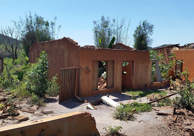 Parte das ruínas de Bento Rodrigues (foto de arquivo)