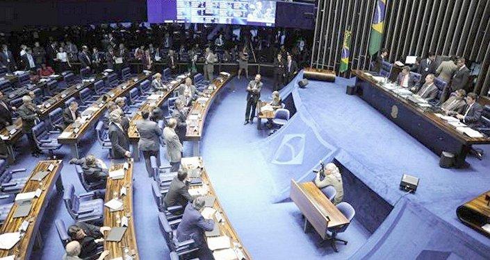 Senadores votam em 1º turno PEC da Reforma Política na quarta-feira (9).