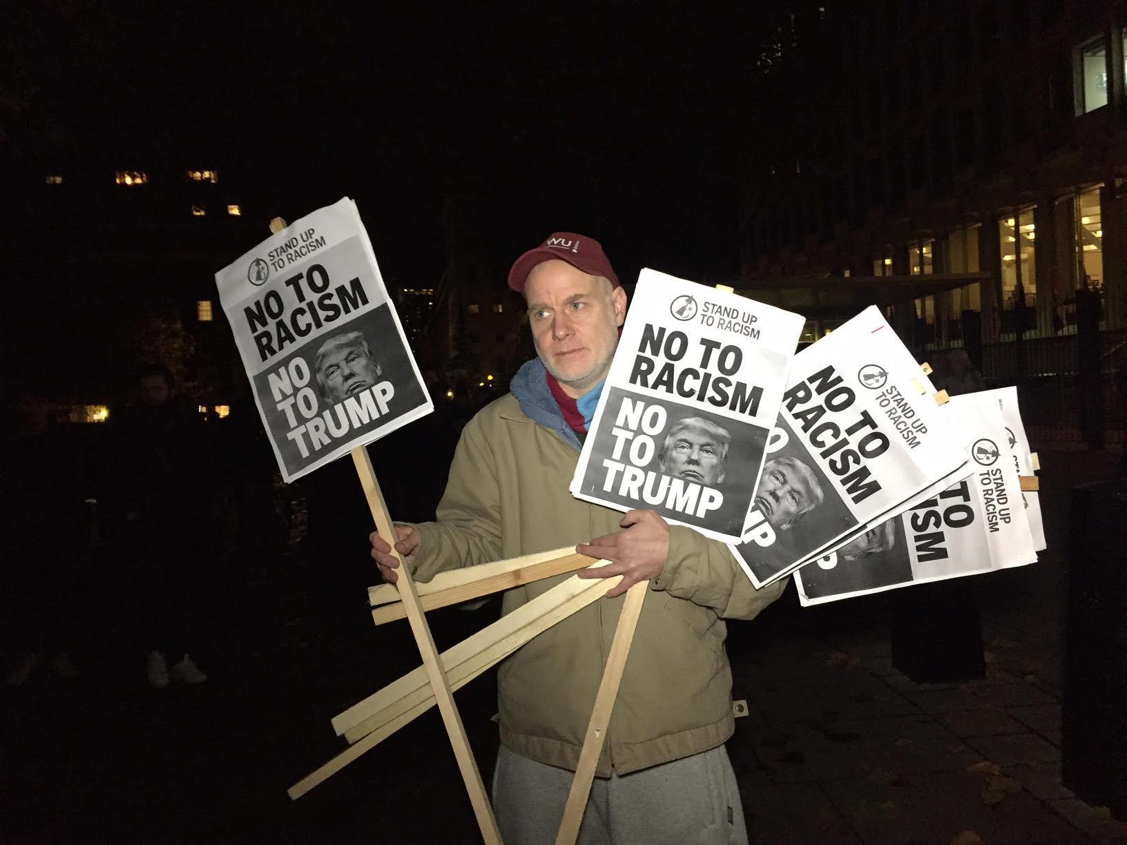 Protestos anti-Trump e antirracismo em Londres em 10 de novembro